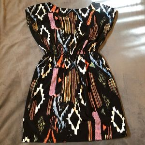 Dresses & Skirts - Tribal mosaic print dress